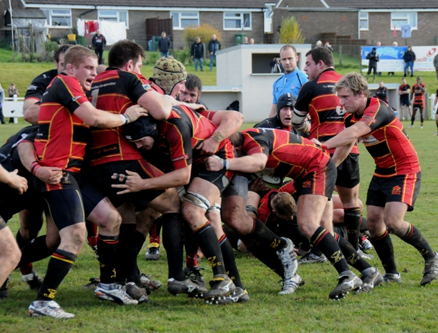 Cinderford v Esher team news